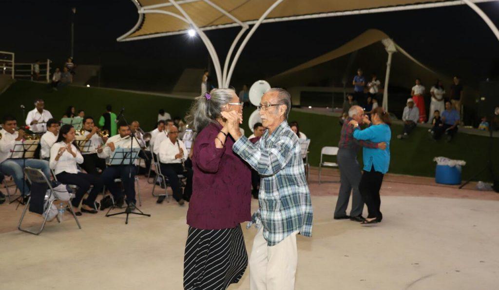 El danzón se volvió un baile muy popular en México hace varias décadas