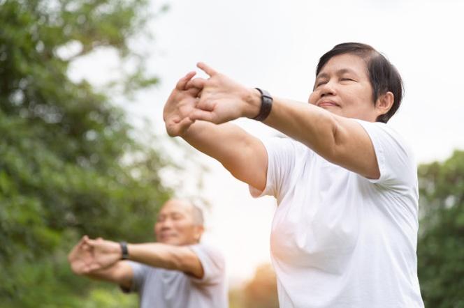 Rutina de ejercicios de estiramiento para adultos mayores